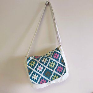 NWOT Tribal canvas large messenger tote zips lined